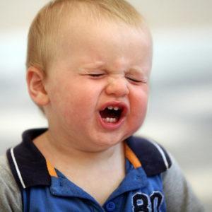 почему грудной ребенок икает