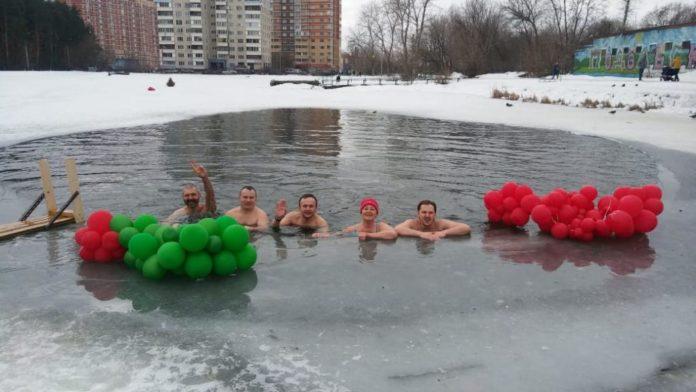 зимний сезон плавания закрыли подольские моржи