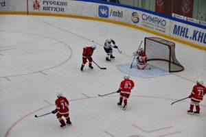 Команда Витязь проиграла на открытом кубке по хоккею