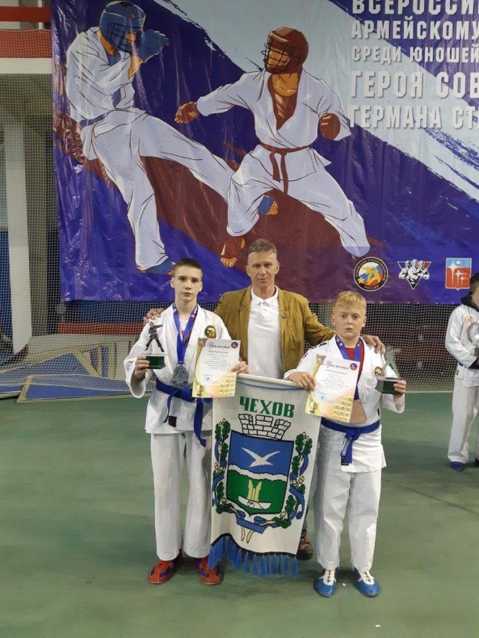 Всероссийский турнир по армейскому рукопашному бою состоялся в городе Краснознамеск 13 и 14 апреля. С города Чехов приняли участие 13 человек