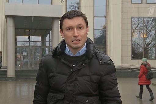 Корреспондент Первого канала Илья Костин умер молодым в возрасте 40-лет. Вначале февраля этого года стало известно осмерти 42-летнего корреспондента НТВЮрия Кучинского.