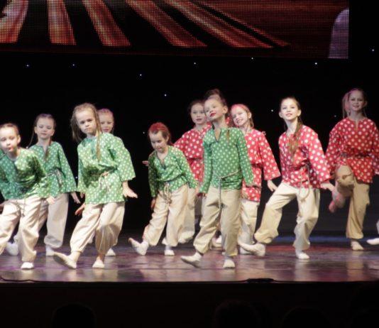 Отчетный концерт Народного ансамбля танца Юность10