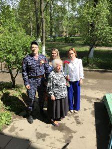 Сотрудники Чеховского отдела вневедомственной охраны Росгвардии поздравили ветеранов с