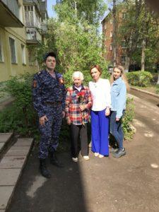 Сотрудники Чеховского отдела вневедомственной охраны Росгвардии поздравили ветеранов с праздником