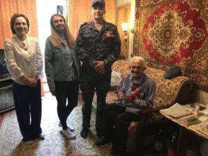 Сотрудники Чеховского отдела вневедомственной охраны Росгвардии поздравили ветеранов с праздником Победы