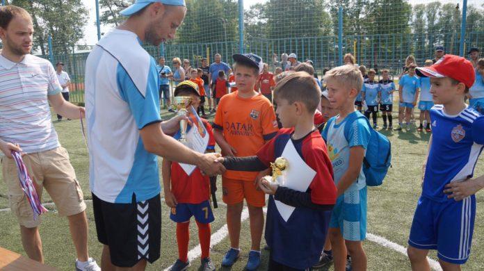 Открытый турнир по мини-футболу прошел в Чехове 4