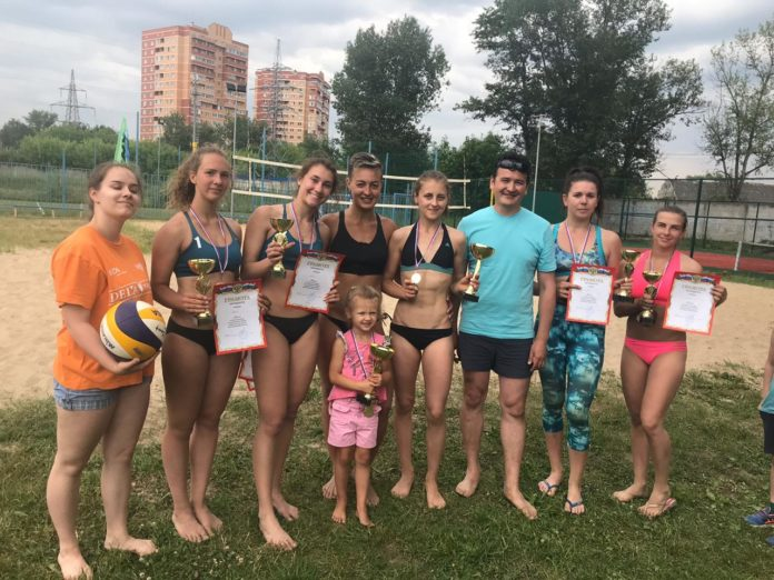 Турнир по пляжному волейболу прошел 12 июня