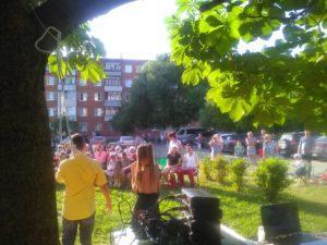 Уличный концерт прошел в п. Мещерское