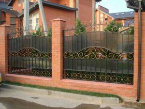 сосед поставил забор