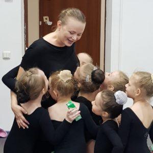 танцы для детей от 2 лет