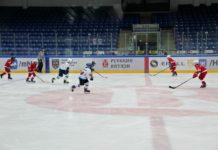 Матчи по хоккею