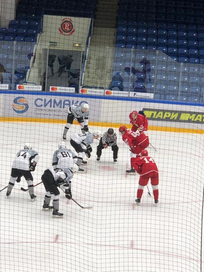 Молодежная хоккейная лига в ДС Витязь