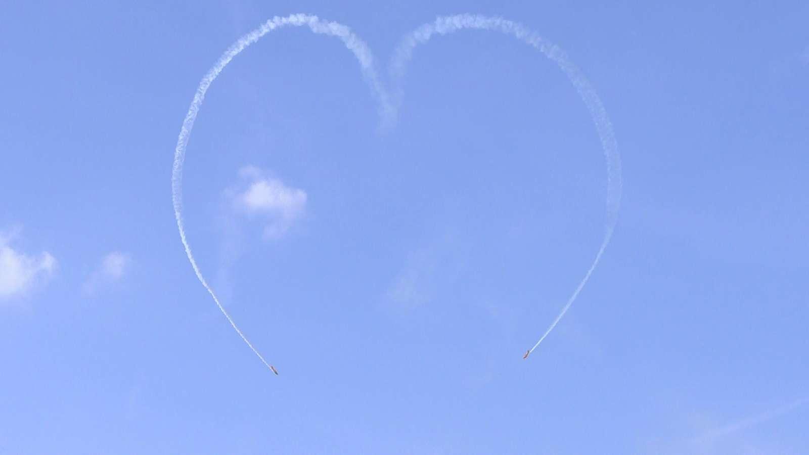 Авиашоу в небе над Истрой провели в День Воздушного флота | Изображение 3