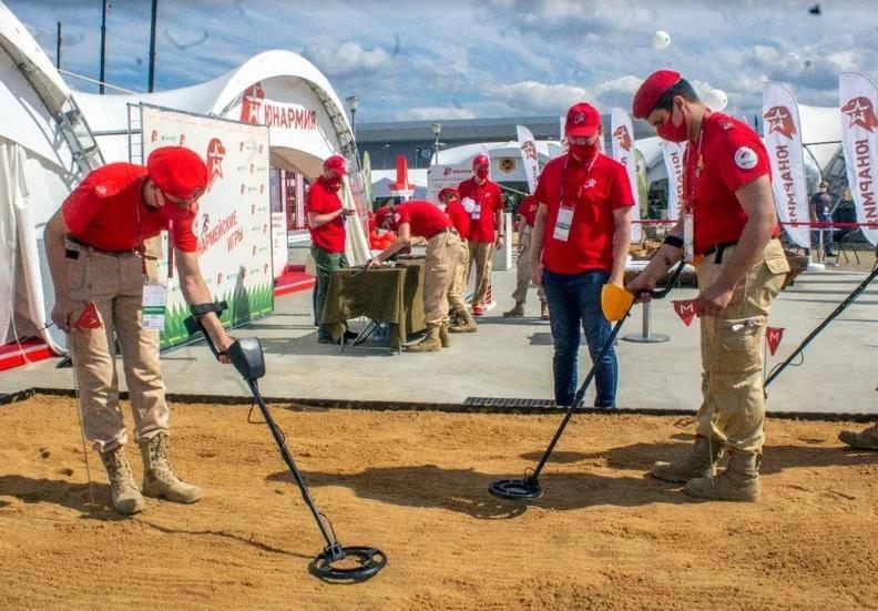 Более 220 подмосковных волонтеров привлекли к организации форума «Армия-2021» | Изображение 2