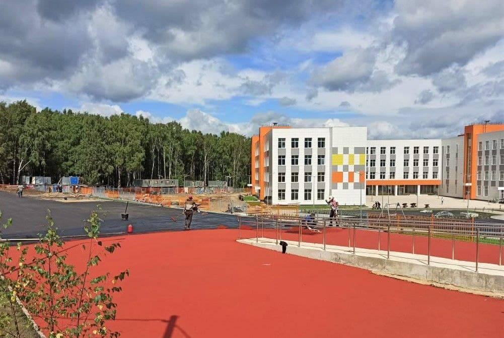 Мебель начали завозить в новую школу Наро-Фоминска | Изображение 1