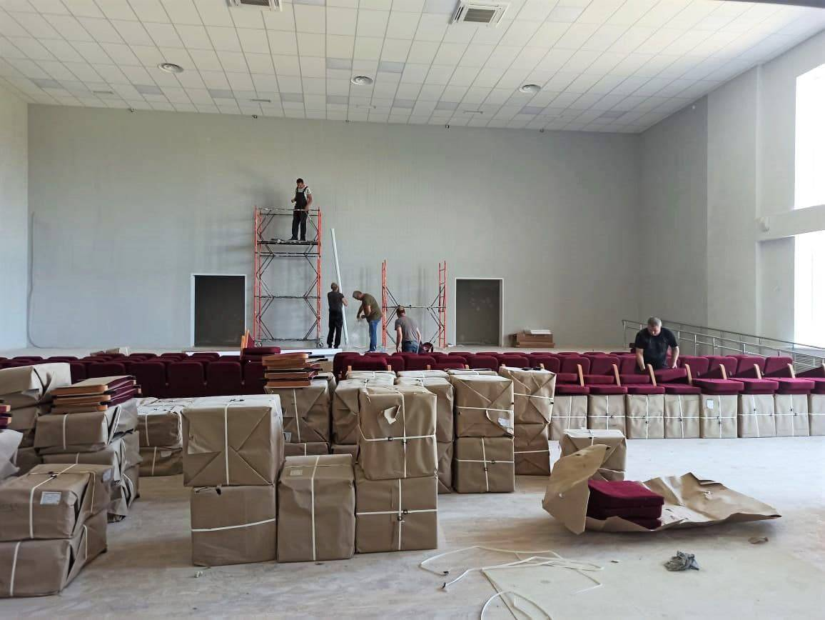 Мебель начали завозить в новую школу Наро-Фоминска | Изображение 3