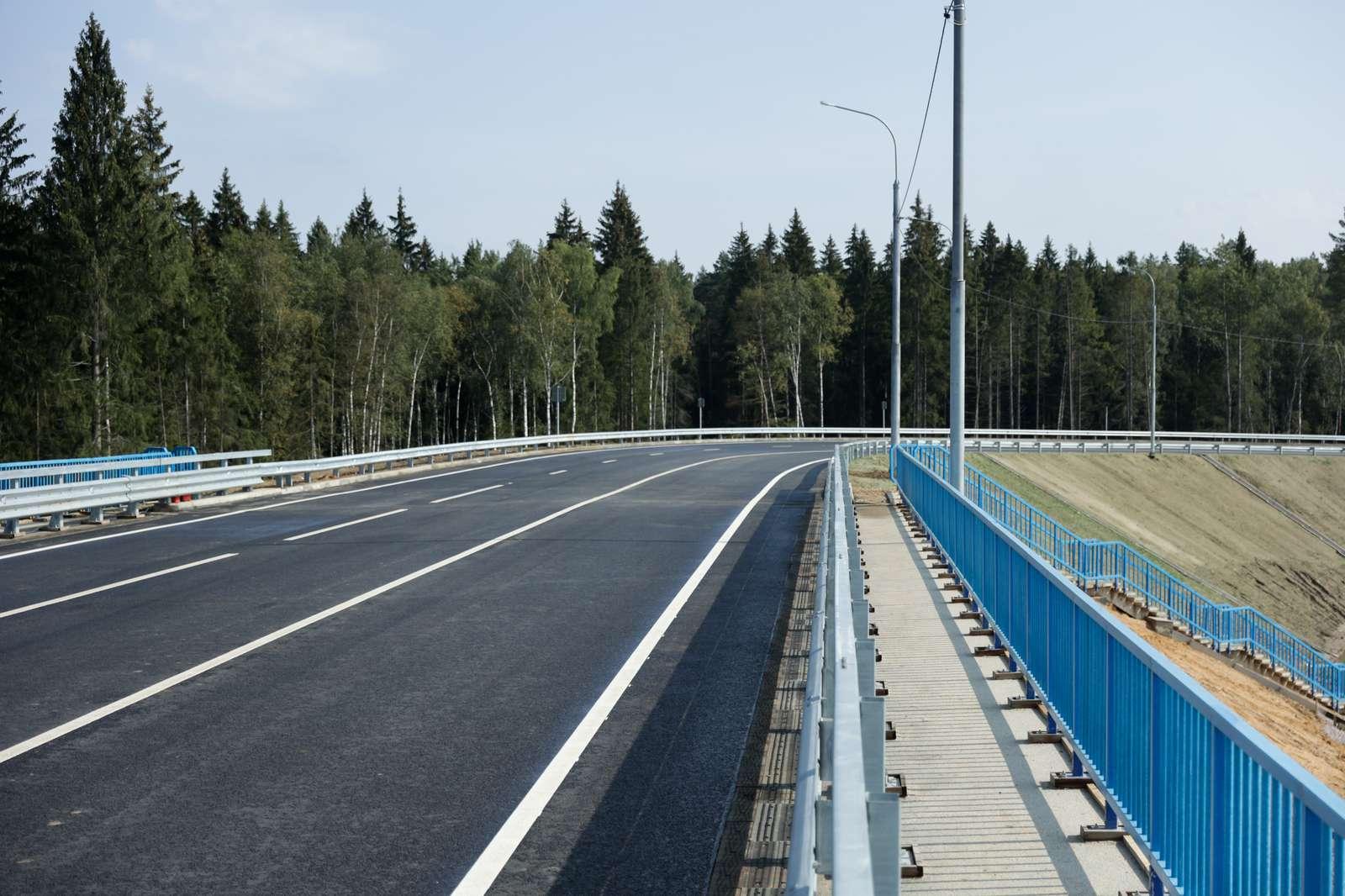 Без пробок и светофоров. Новую развязку перед индустриальным парком «Есипово» открыли в Солнечногорске | Изображение 2