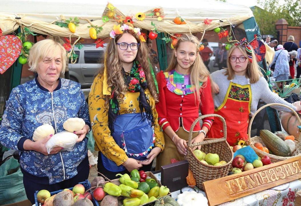 Гости ярмарок «Дары Подмосковья» смогут купить свежие овощи, фрукты и ягоды | Изображение 1