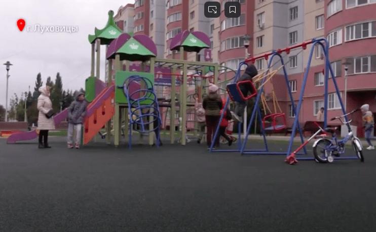 Памятник Сергею Есенину открыли в новом сквере в Луховицах | Изображение 1
