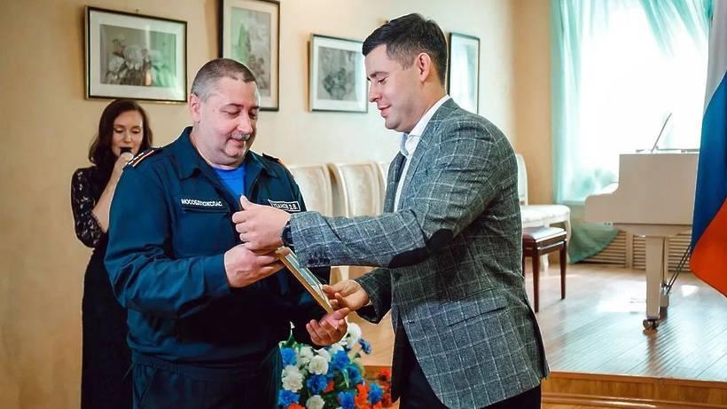 Спасателей из Чехова наградили за сокращение летних пожаров на 20%   Изображение 1
