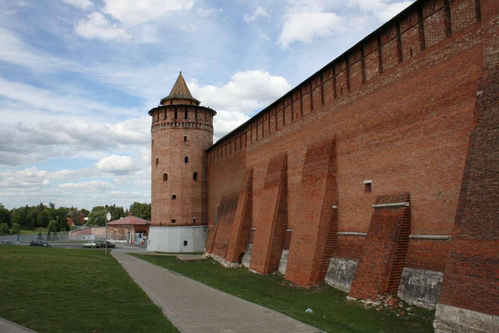 Пять самых популярных у туристов крепостей назвали в Подмосковье | Изображение 1