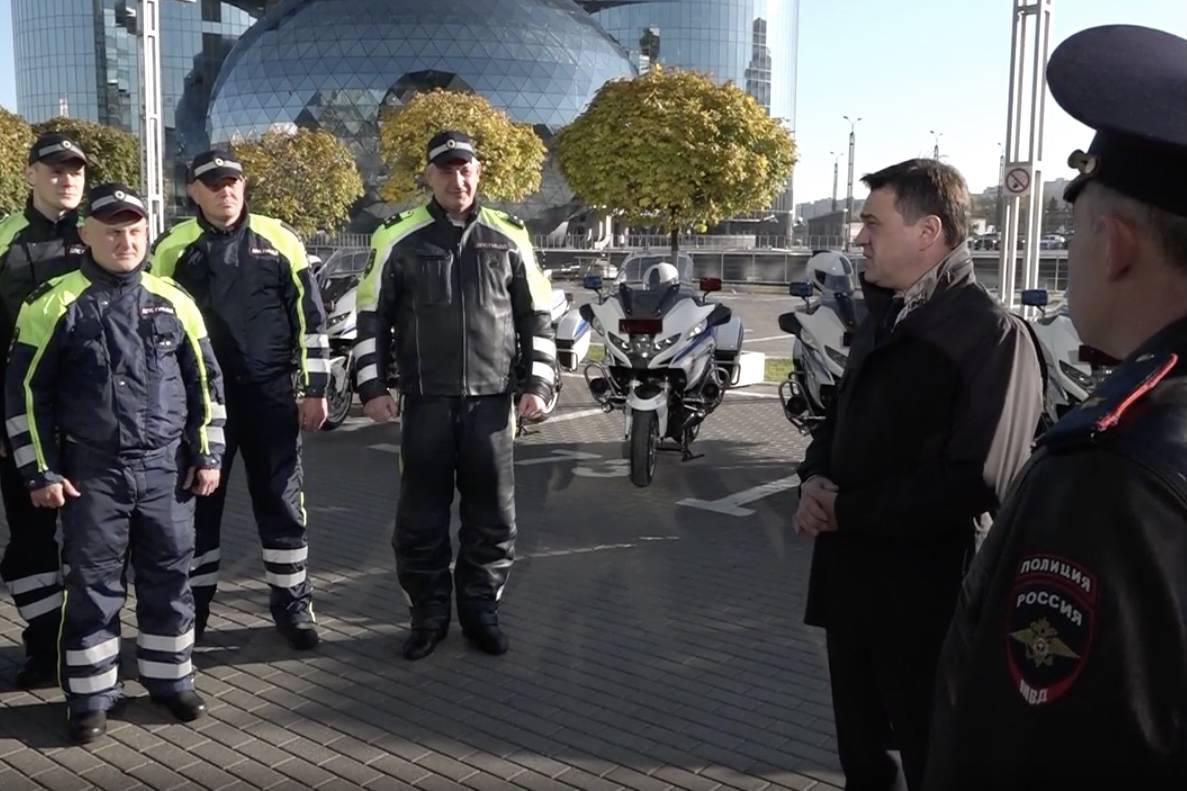 Скорость и маневренность. Подмосковной ГИБДД вручили 19 новых мотоциклов BMW | Изображение 2