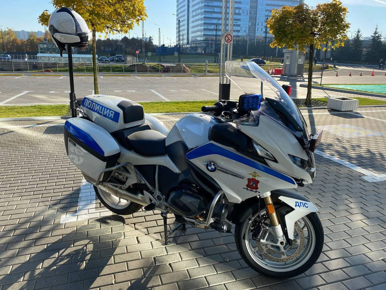 Скорость и маневренность. Подмосковной ГИБДД вручили 19 новых мотоциклов BMW | Изображение 4